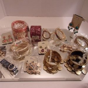 NWT HUGE DESIGNER ASSORTMENT OF BRACELETS & EARRIN